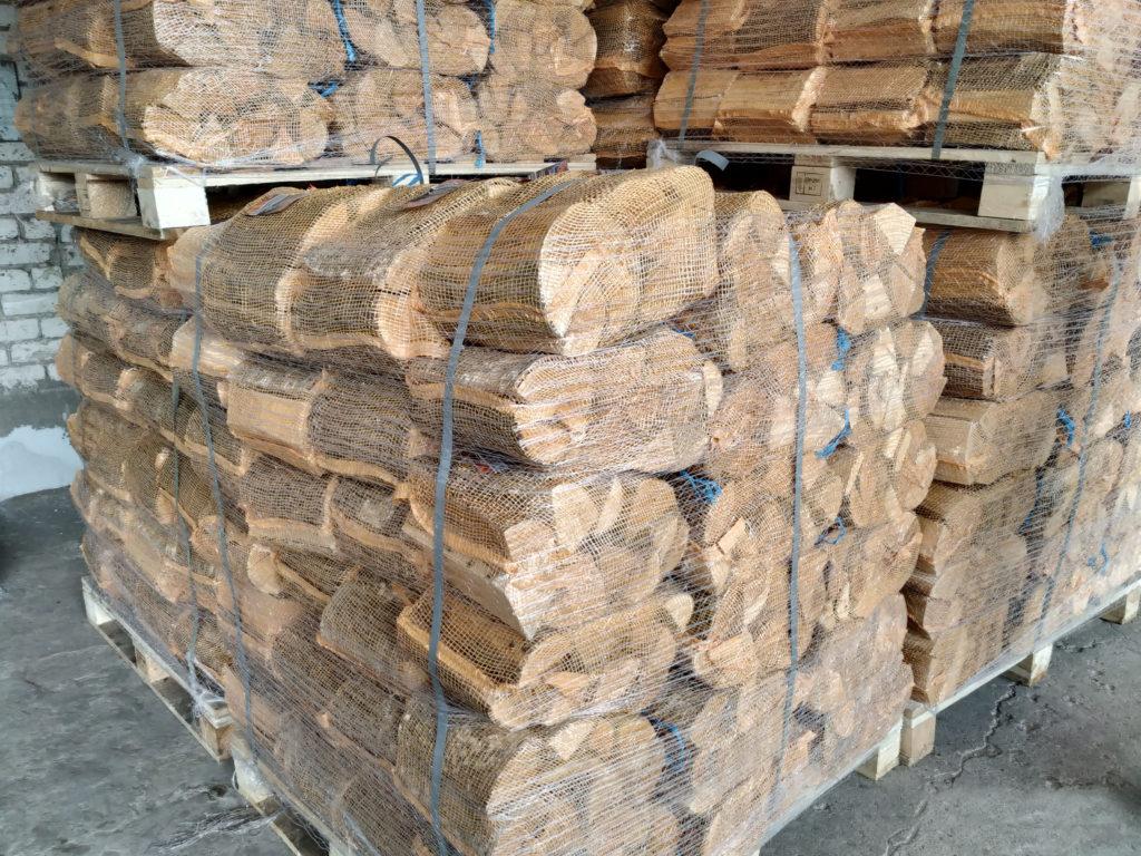 Brennholz aus Laubholz in Netz- oder Plastiksäcken